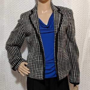 Jones New York open front blazer with split sleeve